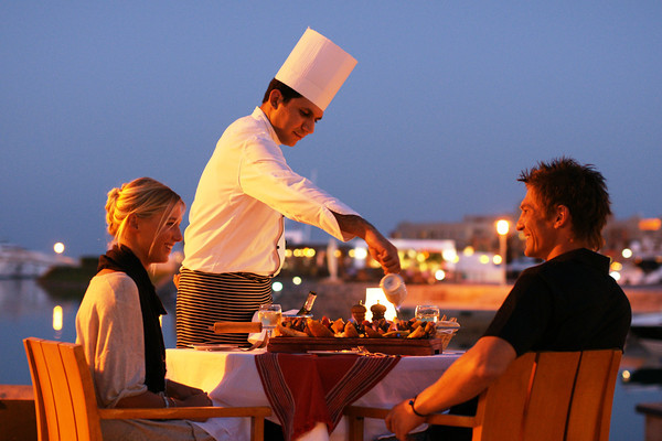 Captain's Inn El Gouna-Steakhouse_By_Night-M
